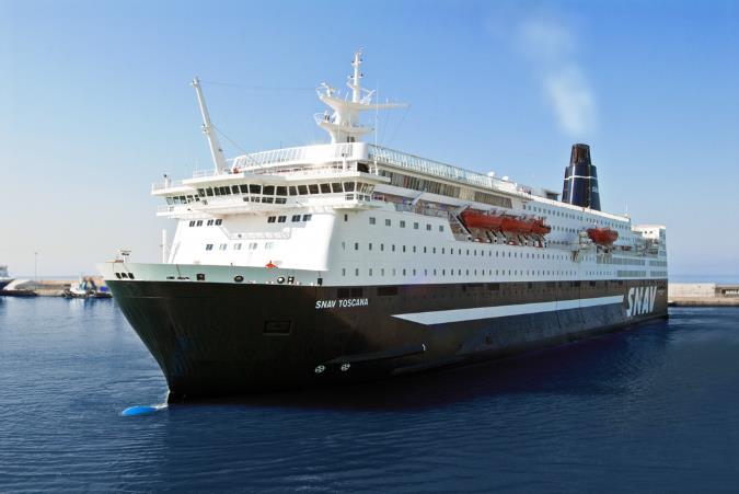 traghetti bari durazzo grandi navi veloci